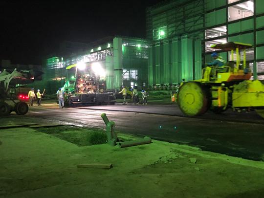 瀝青混凝土施工-夜間施作