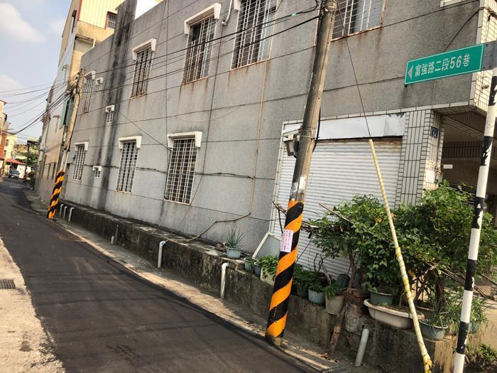瀝青混凝土施工-小巷弄