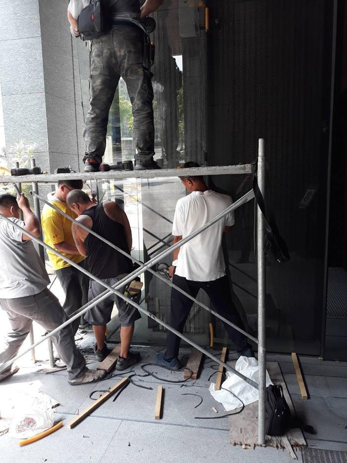 大樓玻璃安裝工程