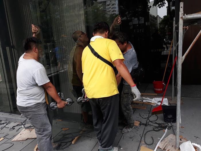 社區玻璃安裝工程