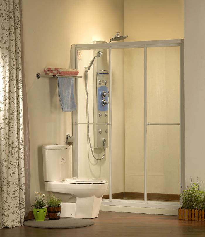 .淋浴有框一字三門玻璃
