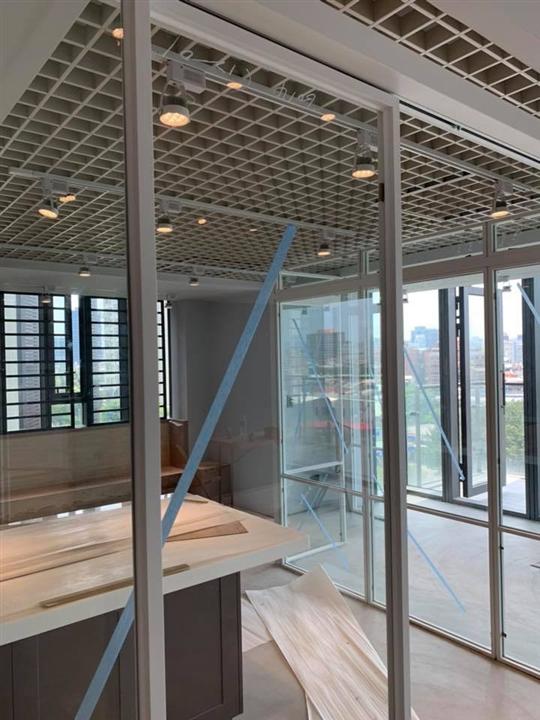 輕鋼架天花板-鋁隔柵天花板