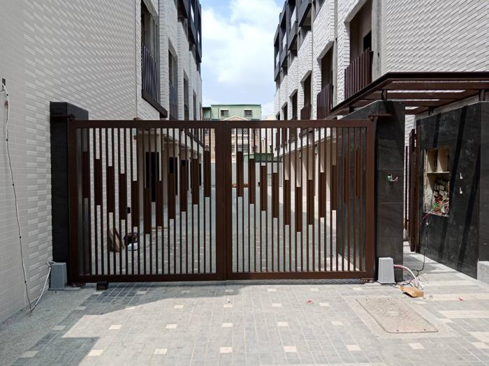 燕巢社區大門
