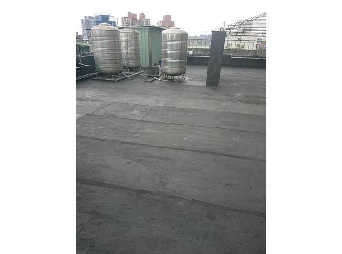 三重力行路屋頂房水