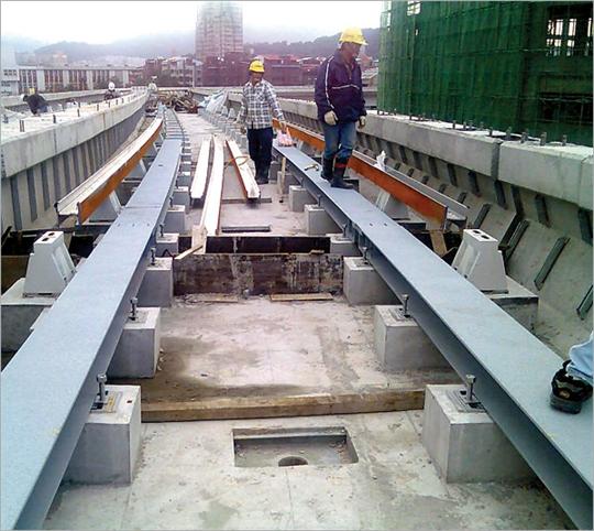 15-捷運軌道工程、型鋼彎曲軌道工程