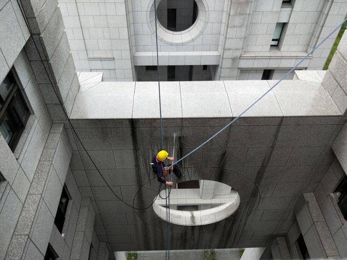 外牆清洗〈吊籠〉