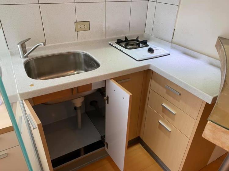 系統廚櫃、室內裝潢