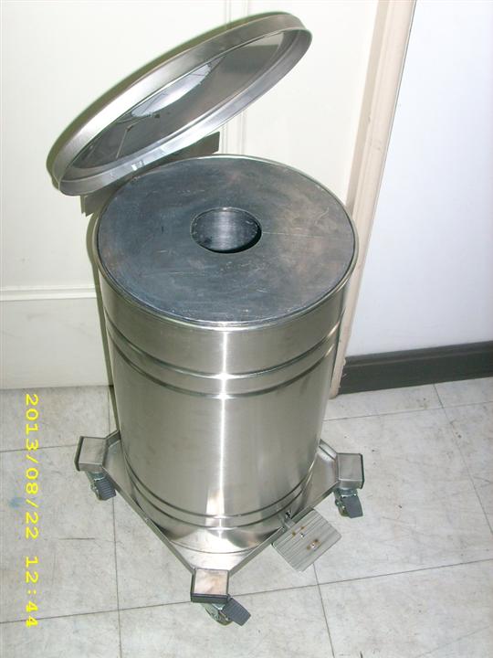 鉛垃圾桶.腳踏式鉛垃圾桶