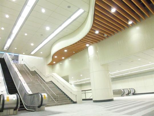 蘆洲線-行天宮站