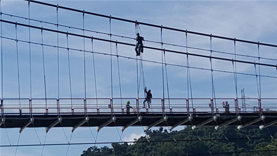 新北市吊橋LED燈更換