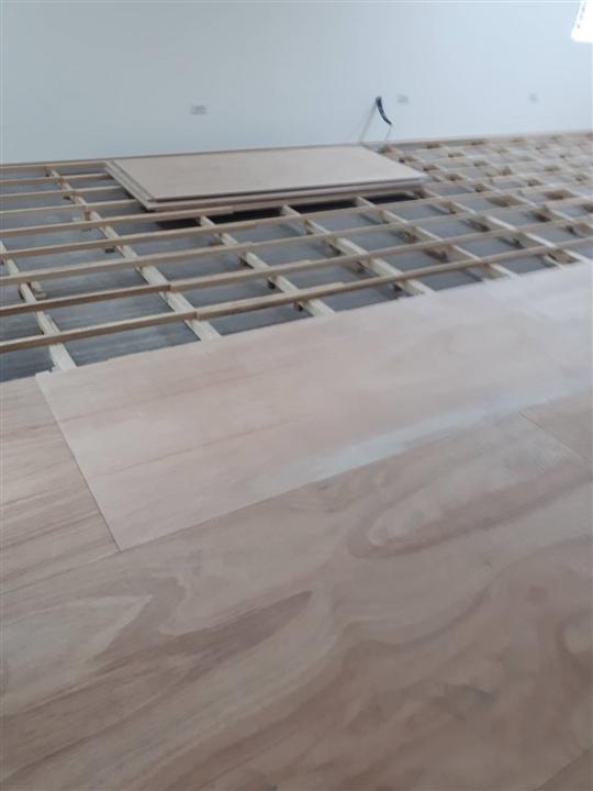 木地板拼裝