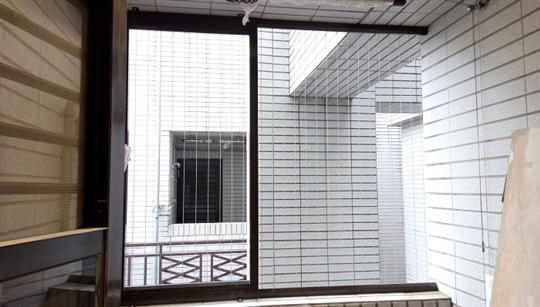 隱形鐵窗-陽台加裝冷氣維修孔