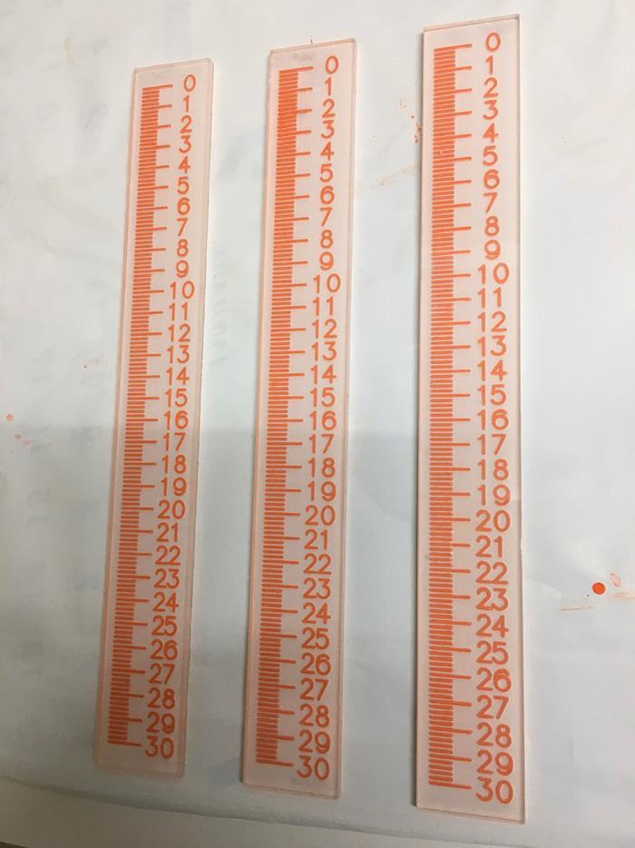 鉛尺(數字水平)