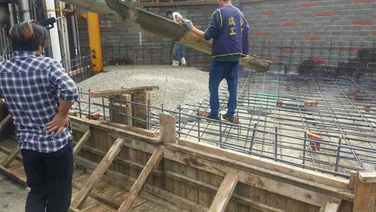 泥作鐵工搭建