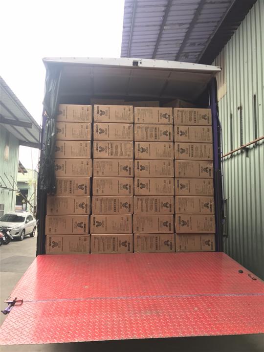 行李箱17噸手工上下貨