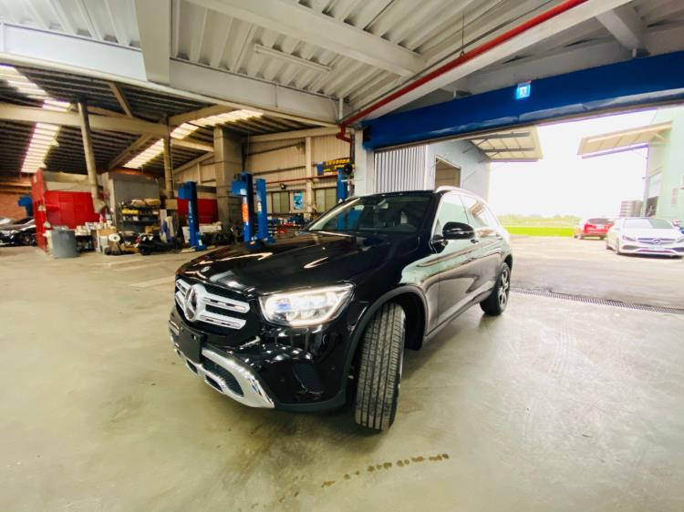 2020 M-BENZ GLC300 SUV