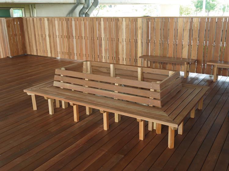 木平台、圍籬-鋼構-鐵木