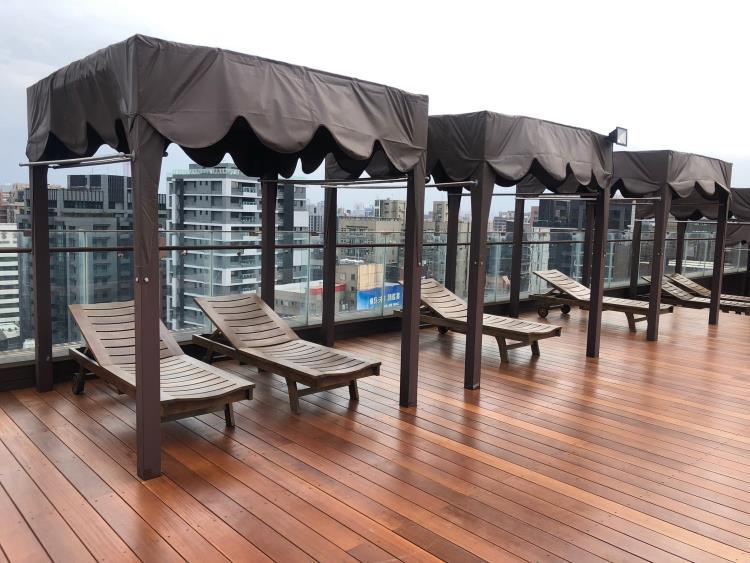 泳池高架地板-南洋櫸木