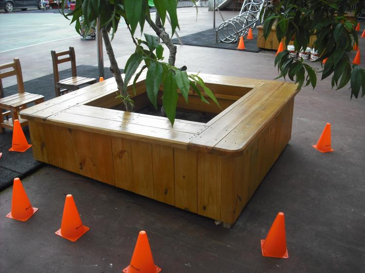 方形樹穴椅-南方松