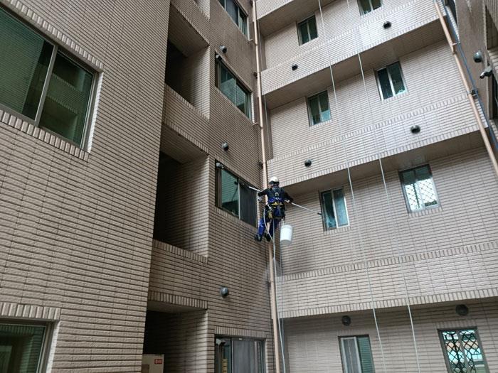 外牆清洗繩索作業