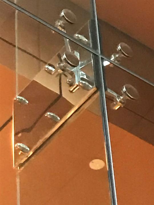 玻璃五金工程