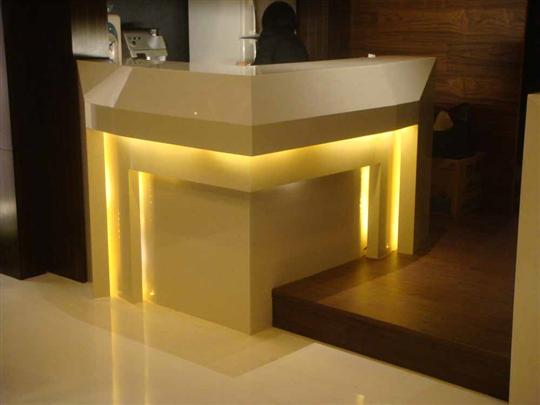 24-人造雪白銀狐-地板櫃台