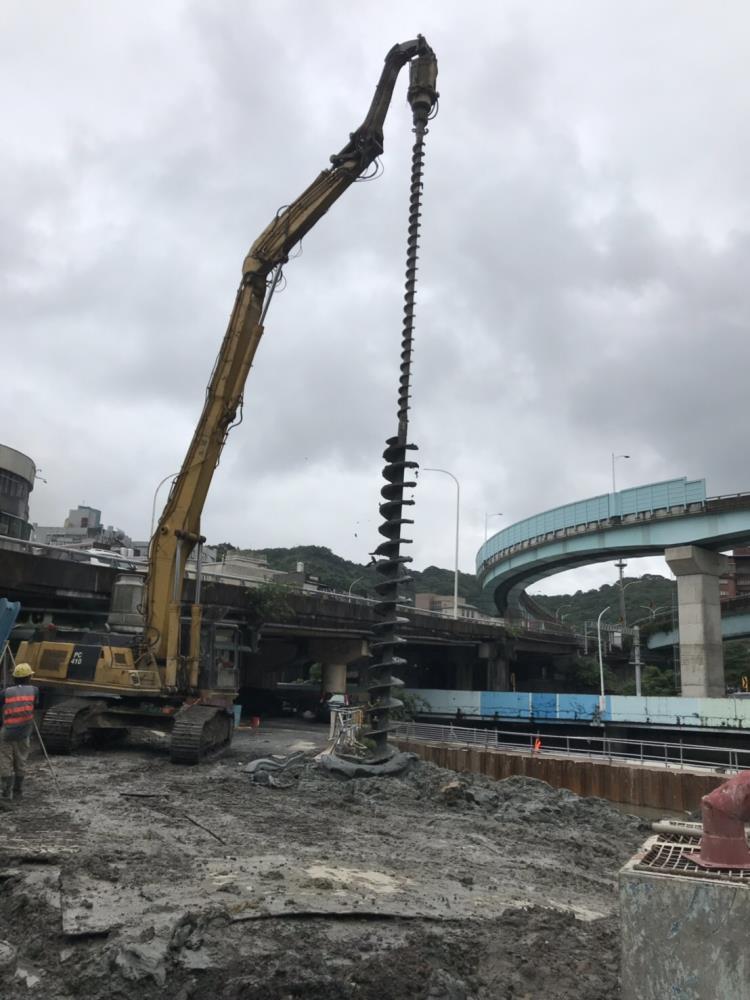 鋼軌樁打拔工程