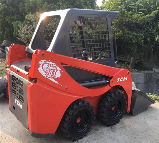 24-USED TCM SKID STEER LOADER MODEL:703(已售出)