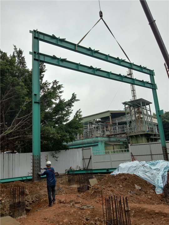 管橋及天車鋼構吊裝