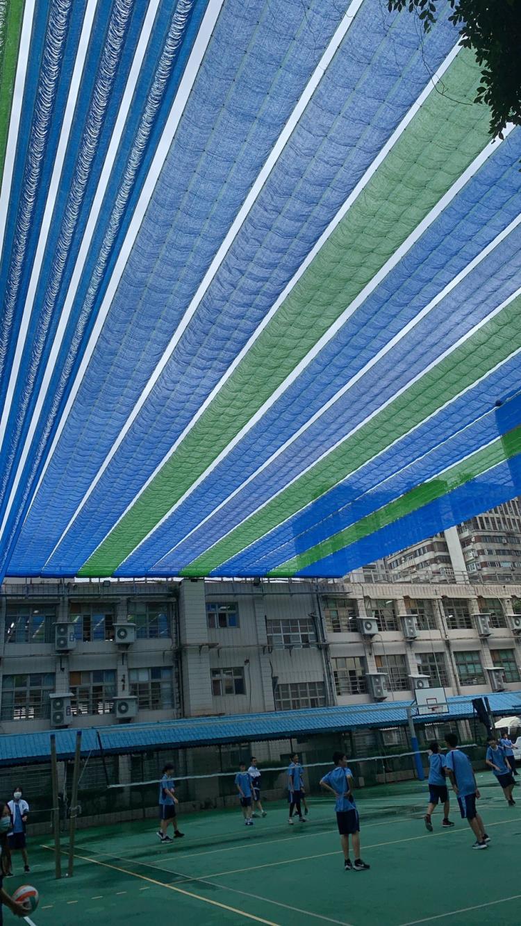 電動遮陽網台北大安國中電動遮陽網。40米長。寬20米。高12米
