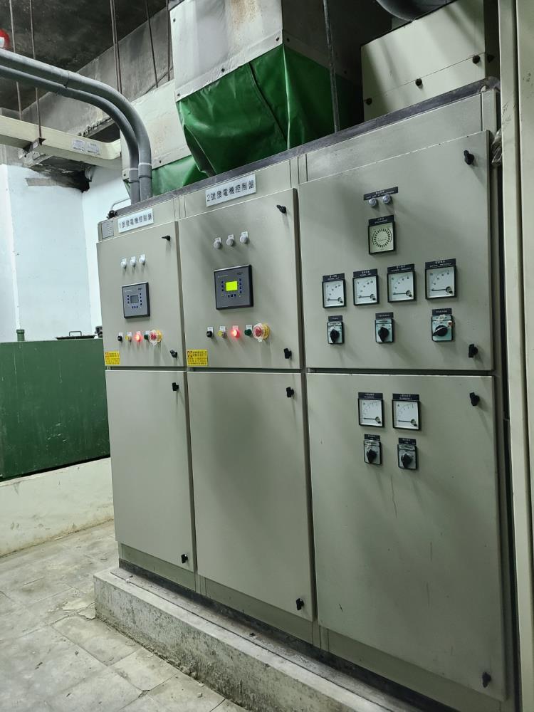 水蓮山莊二部1000KW發電機A.C.B.並聯盤