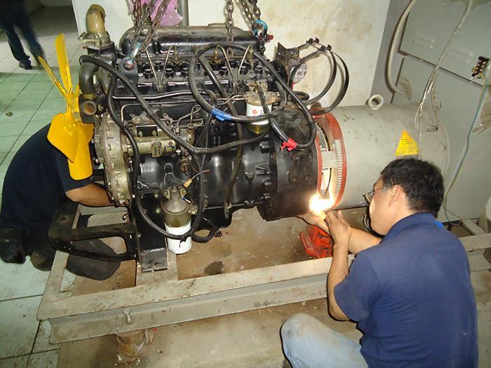 木柵區社區-發電機引擎維修