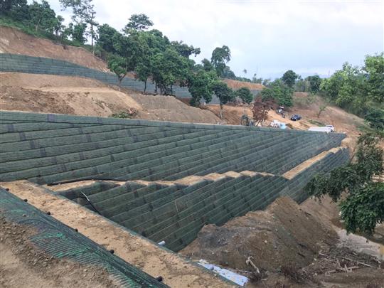 2- 擋土牆邊坡塌陷護坡工程