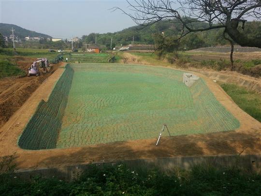 22- 城市田園農庄-土包袋堆疊滯洪池