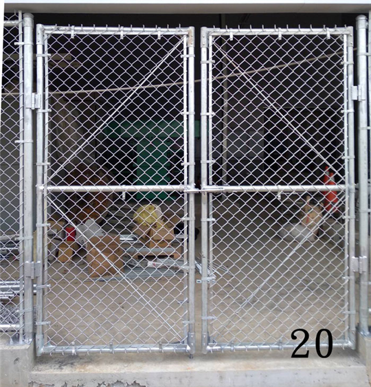 鐵網圍籬大門