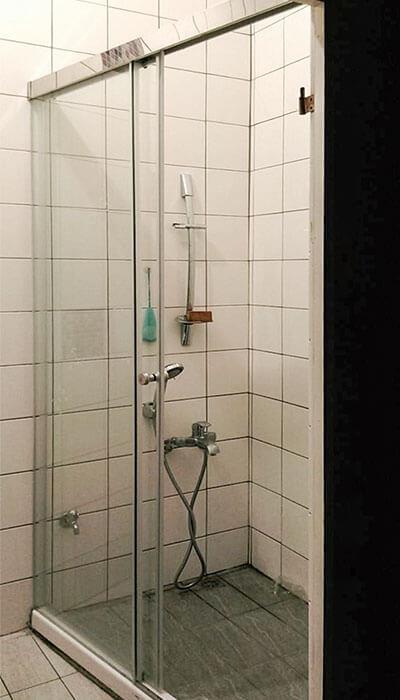 12- HS系列無框橫拉淋浴門