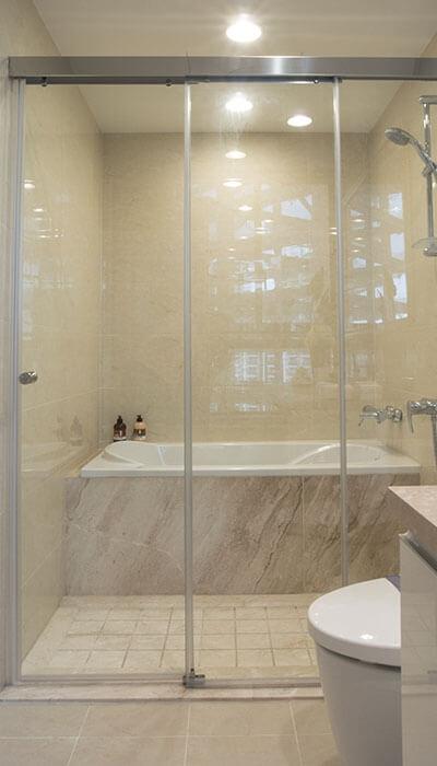 15- LS系列無框連動淋浴門