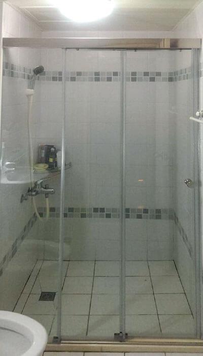 16- LS系列無框連動淋浴門