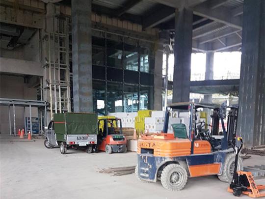 建築大樓鋼料搬運