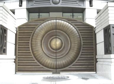 造型鑄鋁門