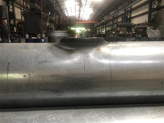 人熱浸鍍鋅鋼管抽孔