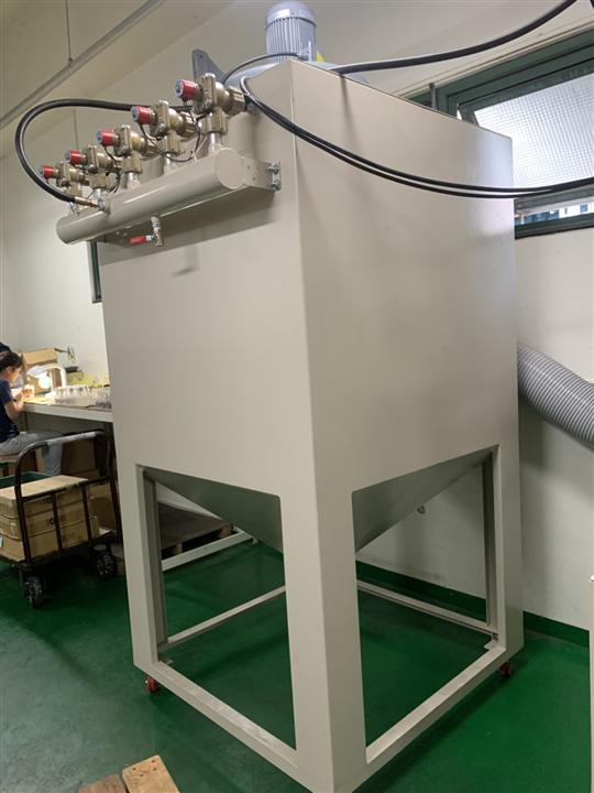 4- 四分割自動轉盤噴砂機(PLC自動控制系統)
