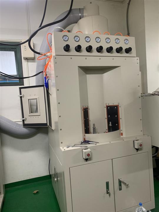 5- 四分割自動轉盤噴砂機(PLC自動控制系統)