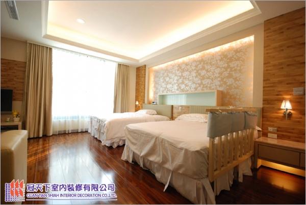 卧室装潢—天花板木地板工程