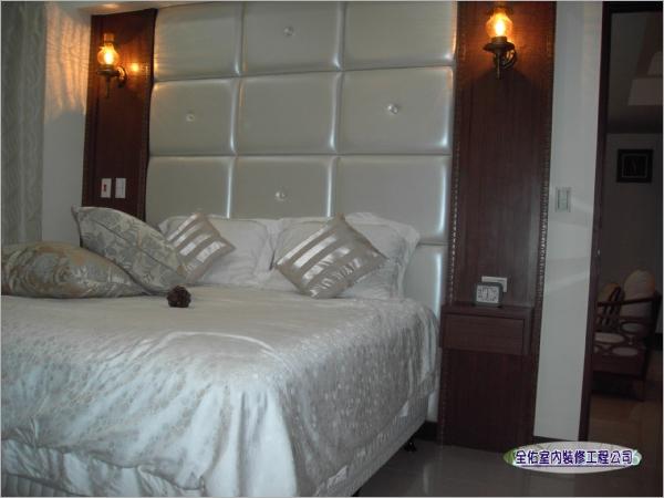 臥室床頭裝潢