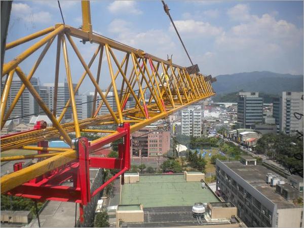 塔式吊車前桁架