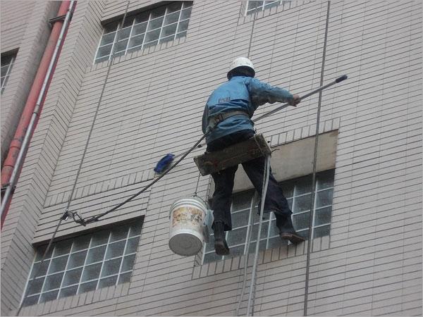 高空作業外牆清洗工程