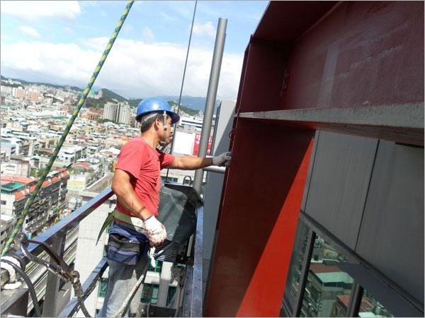 高空作業外牆修繕工程