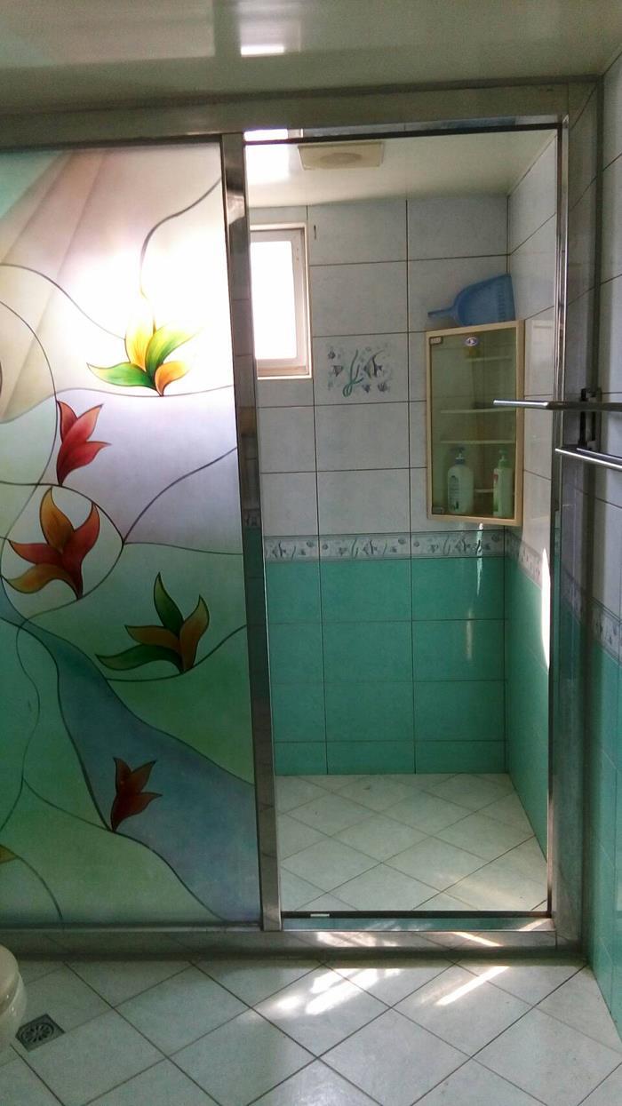 白鐵衛浴隔間