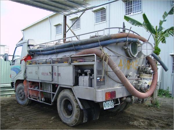 真空吸泥車